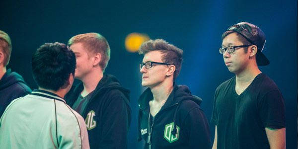 miracle-on-the-stage-with-his-team-og